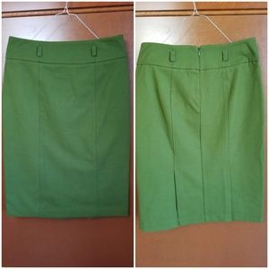 NEW YORK & COMPANY WOMENS GREEN PENCIL SKIRT SIZE4